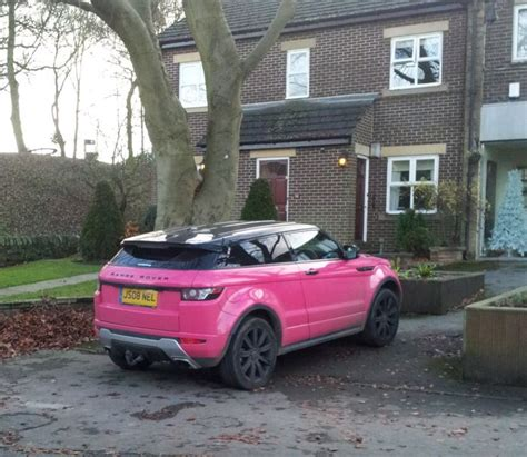 land rover pink the gallery for gt pink range rover evoque