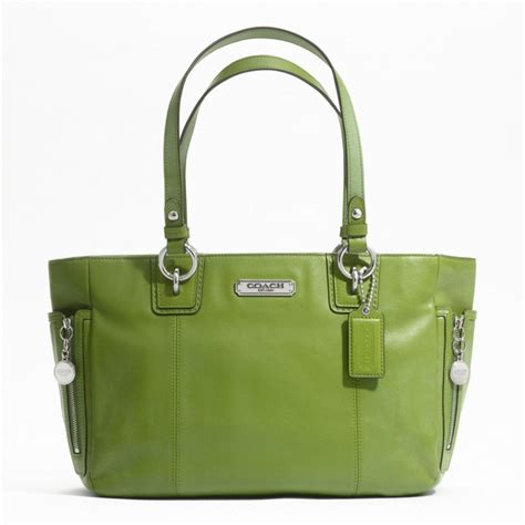 leather tote bag with zipper kiosk coach gallery leather zipper tote f19252