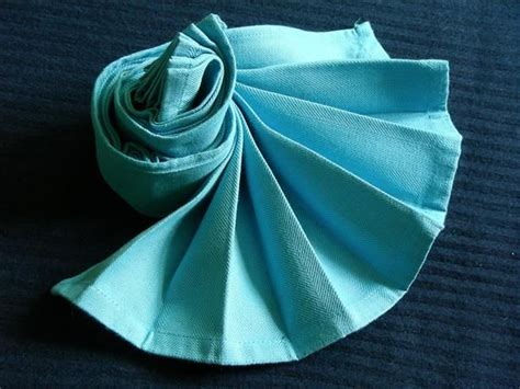 Fancy Fold Paper Napkins - serviette napkin dramatic fan recipe napkins fans