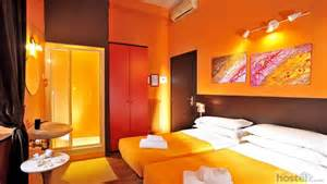 inn in color colors hotel hostel rome italy reviews hostelz