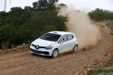 renault clio rally car renault unveils clio rs based r3t rally car autoevolution