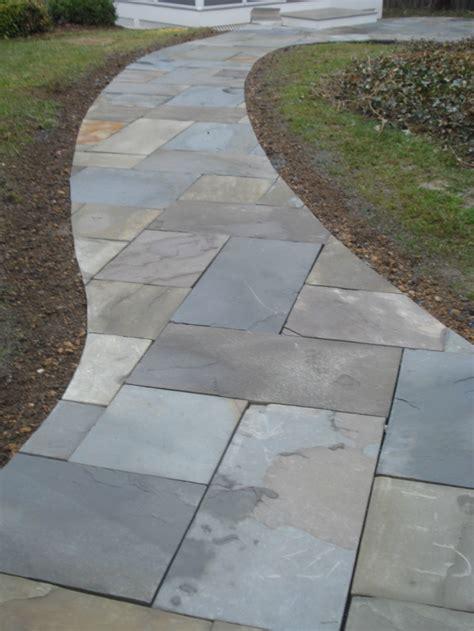 Design Ideas For Flagstone Walkways Flagstone Walkway Leading To Sunken Patio Patio Ideas Flagstone Patio Ideas