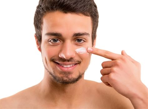 Pelembab Wajah A Tips Memilih Pelembab Wajah Pria Sesuai Jenis Kulit