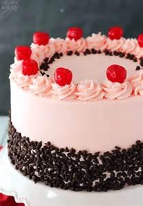 schokoladen kirsch kuchen cherry chocolate chip cake and sugar