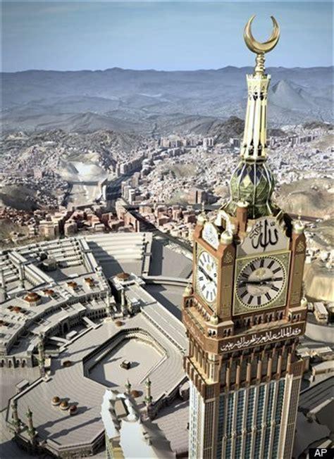 Mesin Las Gmt world s largest clock photos saudis build clock want mecca time to replace gmt