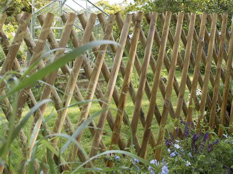 Barrière Bois Pour Jardin by Barriere De Jardin Bois Myqto
