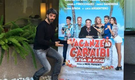 film natale 2015 film natale 2015 vacanze ai caraibi trailer un