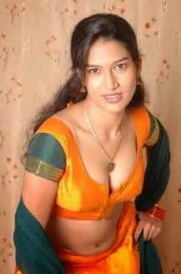 Hindi sex stories chudai stories dost ki mom aur sister ko choda
