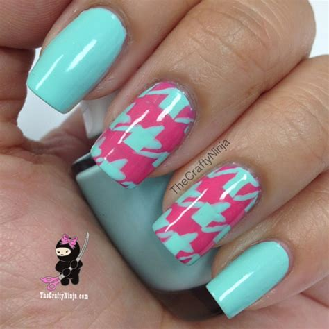 houndstooth pattern nails houndstooth nail tutorial the crafty ninja