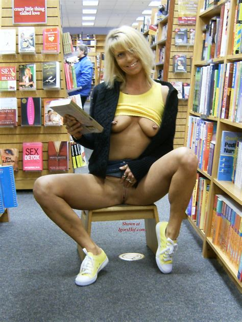 Blonde Public Flashing In Book Store The Free Voyeurclouds