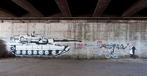 Egyptian Wall Murals telling the story of the arab spring an interactive