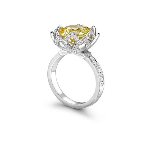 18ct white yellow gold 5 88ct pale yellow sapphire 0