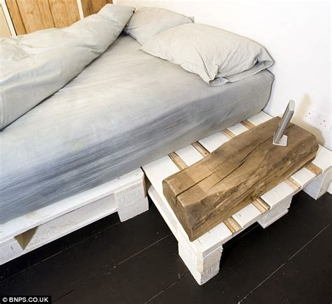 Futon Nachttisch by The Austerity House Completely Make Their