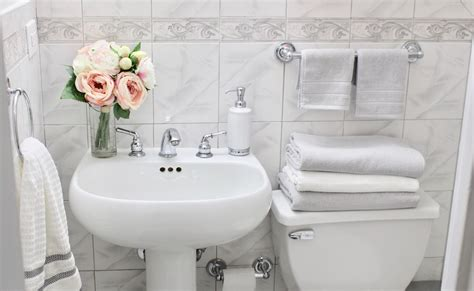 Bathroom Accessories Nyc Nyc Apartment Bathroom Tour Bathroom Decor