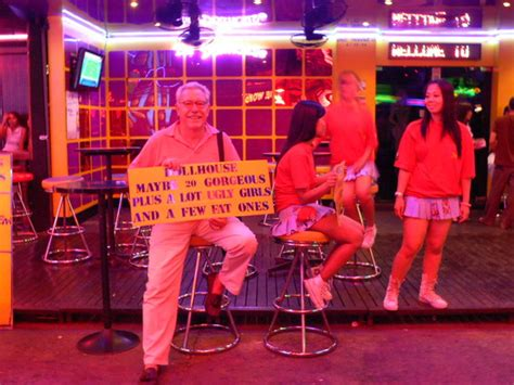 doll house soi cowboy 2009 07 bangkok from soi cowboy to rose garden flying cigar a cigar travel