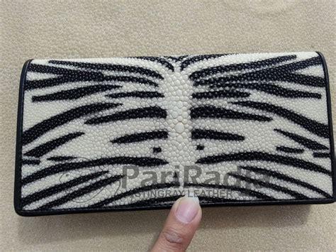Dompet Kartu Putih Motif Etnis Wanita dompet wanita kulit ikan pari standar harimau putih