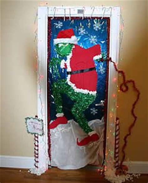 best christmas door decoration winners 192 best the grinch images on la la la and merry