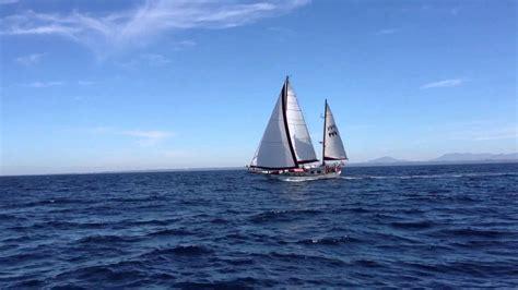 veleros y barcos antiguos youtube velero kuluska navegando en el mar cantabrico youtube