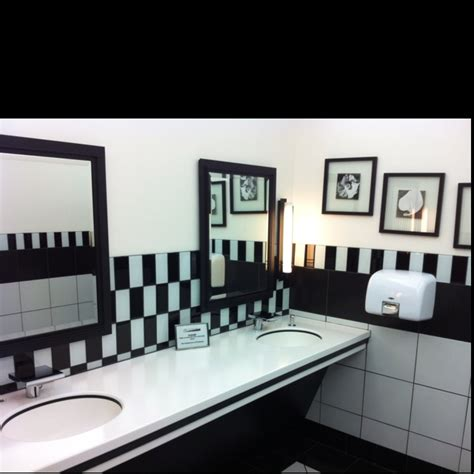 schwarze und weiße küchenfliese kinder badezimmer idee