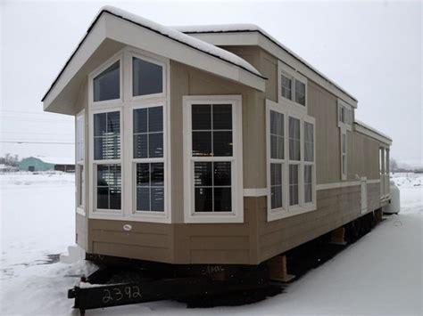 park model homes on pinterest decorating mobile homes park model mobile home remodeling exterior modern