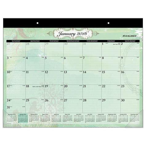 a desk calendar amazon com at a glance desk pad calendar 2016 poetica