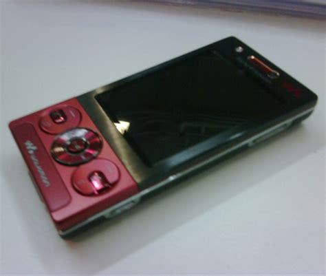 Hp Sony G705 sony ericsson rika scapat pe varianta walkman a