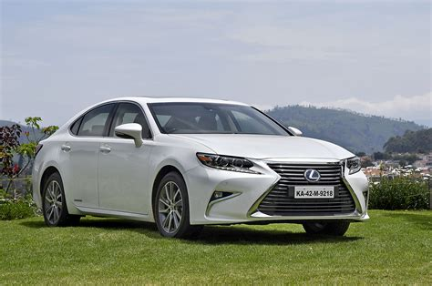 2017 Lexus Es300h Images Interior Autocar India