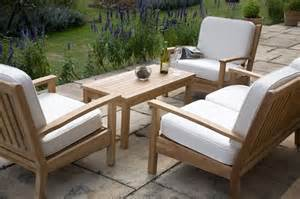 mobili per esterni in legno mobili da giardino in legno mobili da giardino