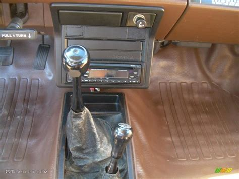 Toyota Manual Transmission 1986 Toyota 4runner 4x4 5 Speed Manual Transmission Photo