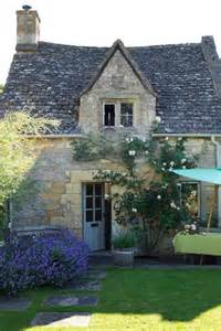 the country cottage cotswolds country cottage gardens design