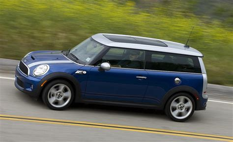 Mini Cooper 2009 by Car And Driver