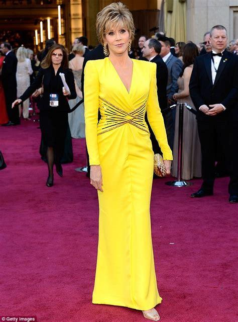 jane fonda yellow dress oscars 2013 jane fonda 75 outshines young hollywood