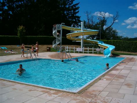 swimming pool file swimmingpool jpg wikimedia commons