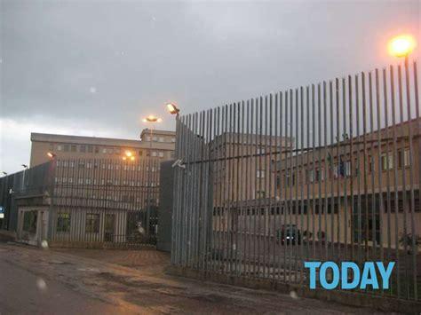 casa circondariale camerino suicidio carcere montacuto ancona