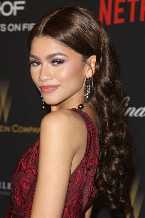 zendaya s hairstyles amp hair colors steal her style page 2