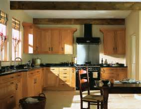 Kitchen Wall Color With Oak Cabinets Hamble Natural Oak Classic And Modern Kitchens
