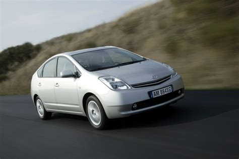 toyota prius 2003 2009 carzone used car buying guides