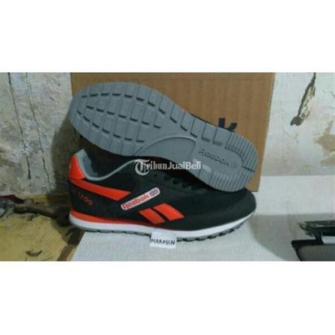 Baru Reebok Claissic Ori Sepatu 3 sepatu reebok classic warna hitam original murah cirebon dijual tribun jualbeli