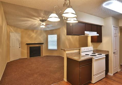 2 bedroom apartments in fort worth tx summit on the lake apartments 6555 shady oaks manor drive