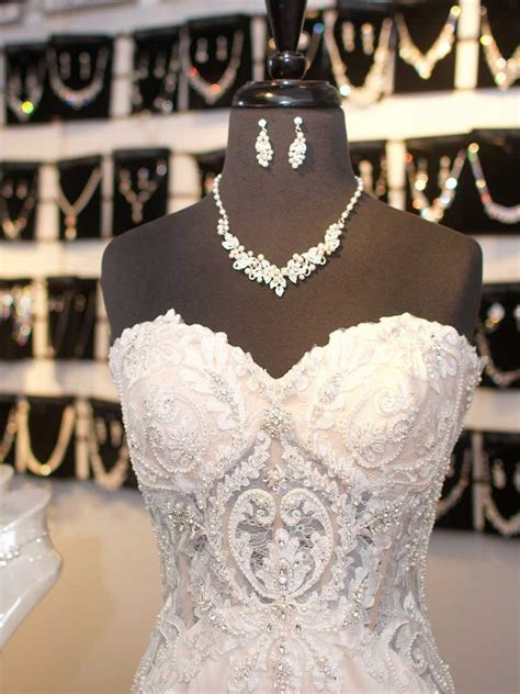 Laura's Bridal   Wedding Dresses, Bridesmaid Dresses and Gowns