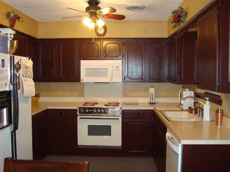 rustoleum kitchen cabinet 16 best images about restain kitchen cabinets on pinterest