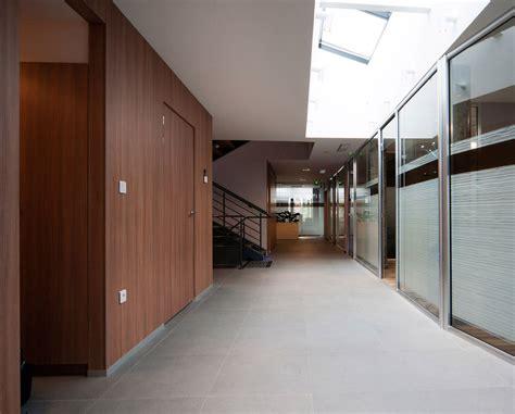 bureaux et commerces bureaux et commerces banc architecture