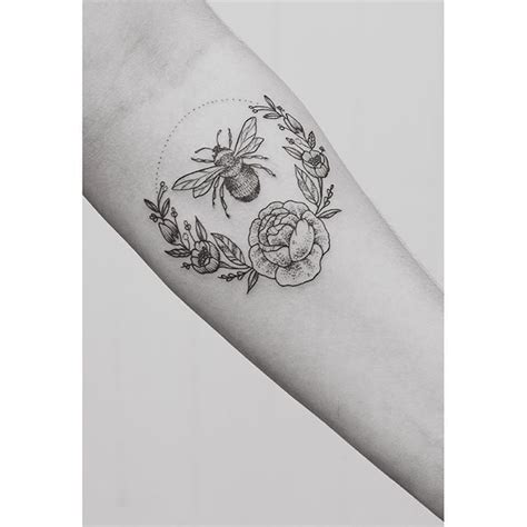 flower border tattoo 1034 best tattoo ideas images on pinterest