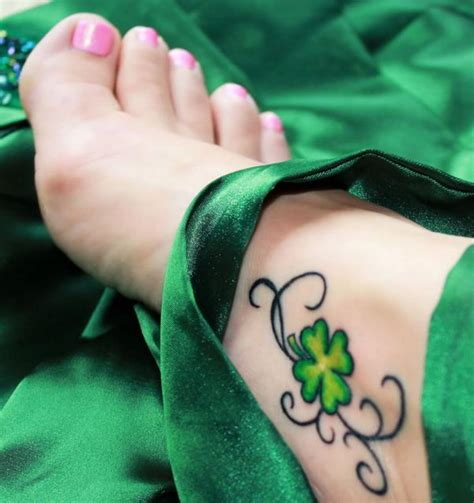 three leaf clover tattoo designs pics for gt four leaf clover skull