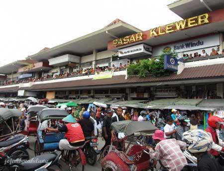 Grosir Gamis Pria Pasar Klewer Best Travel Indonesia Klewer Market The