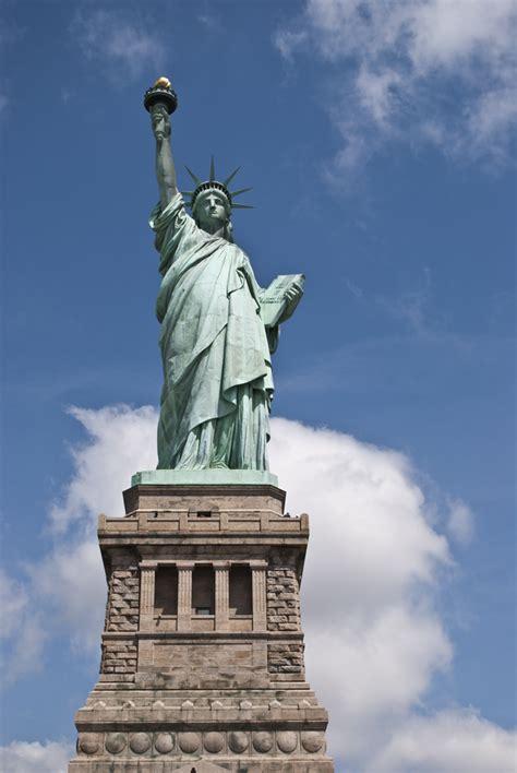 piedistallo statua della libert la statua della libert 224 ed ellis island and trips