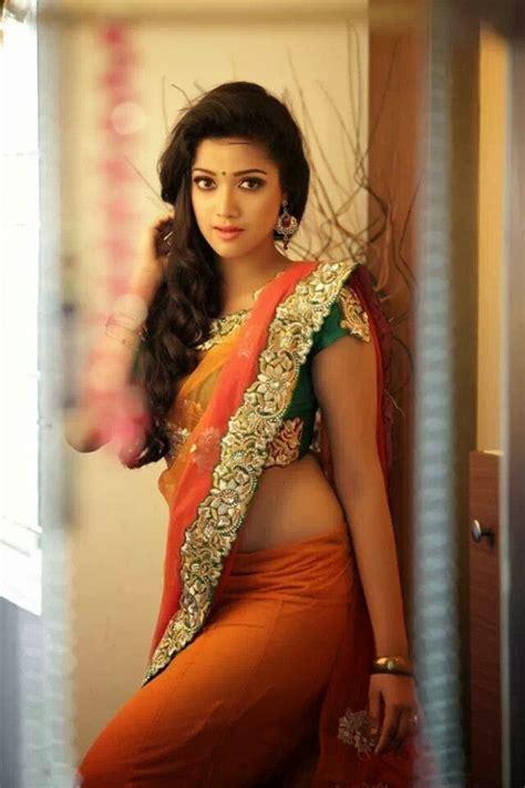 actress abhirami in jeans abhirami suresh hot looks in saree south indian actress