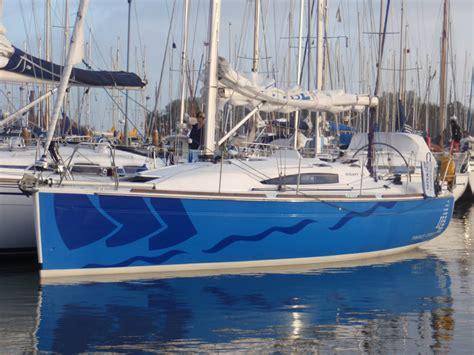 zeilboot met open spiegel huur de elan 340 in lemmer zeilboot huren ijsselmeer en