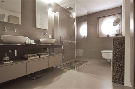 badezimmer taupe die elegante farbe taupe wandverkleidung zenideen