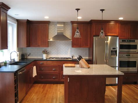 rustic oak kitchen cabinets staining kitchen cabinets darker rustic brown varnished
